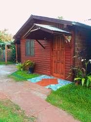 uf46 - Cabaña para 1 a 5 personas con pileta y cochera en Puerto Iguazú