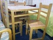 Refrigeradora Miray mas 01 mesa mas 03 sillas