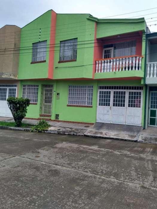 ARRIENDO <strong>casa</strong> BONITA BIEN UBICADA