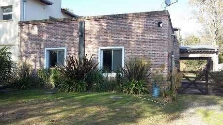 Casa en alquiler en Berazategui Este