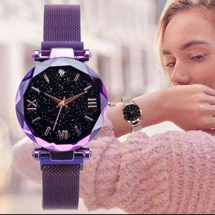 Reloj Metalizado con Estuche de Aluminio