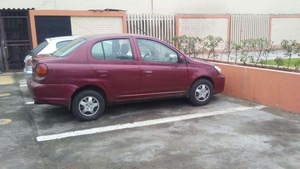Toyota Echo 2003 - 220000 km
