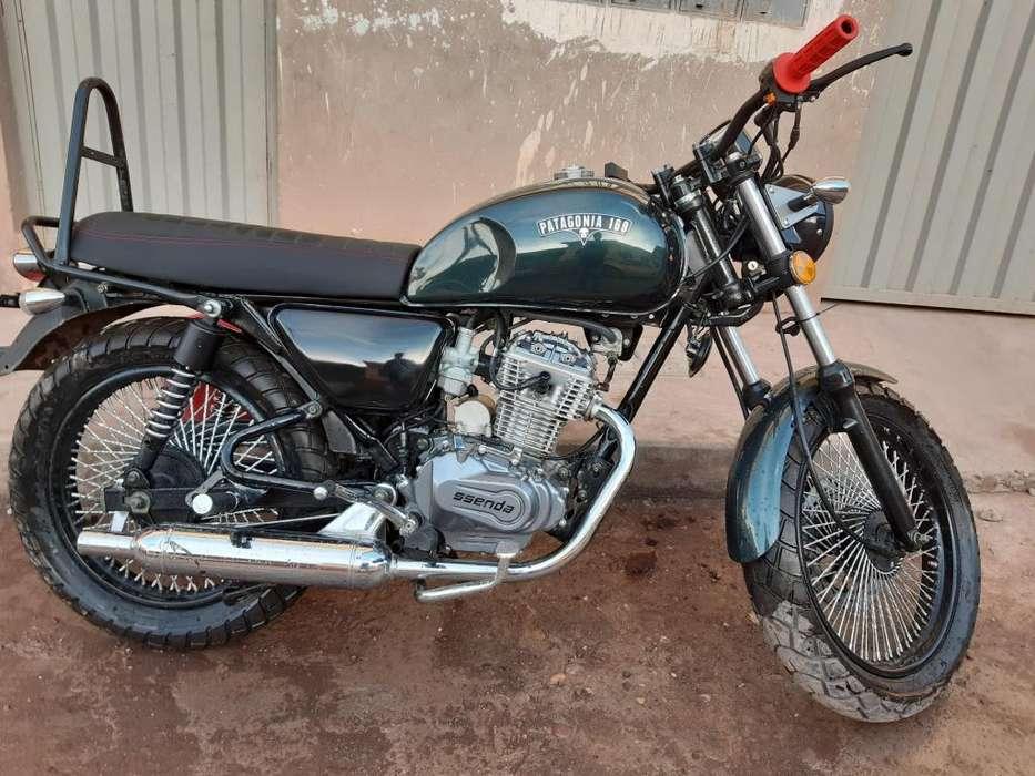 Vendo moto Cafe Racer Patagonia 169