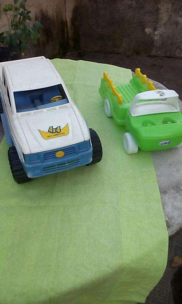 Vendo Camioncito Y 4x4 de Plastico