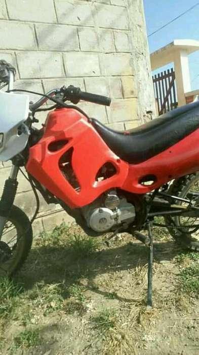 Motocicleta Tecno 125