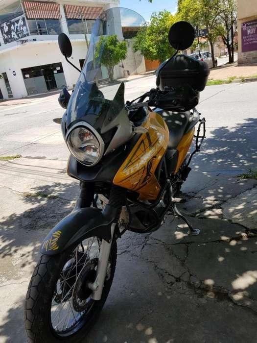 Honda Transalp 700 PEDERNERA 696 Tel:3876057829