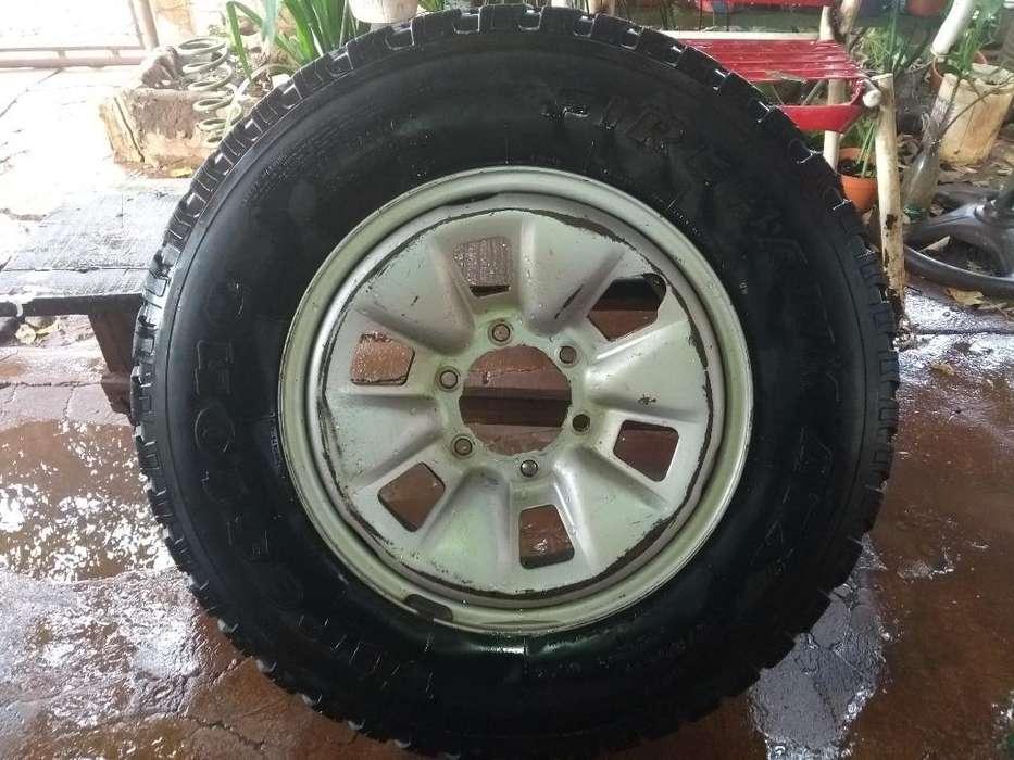 Rueda Toyota Hilux