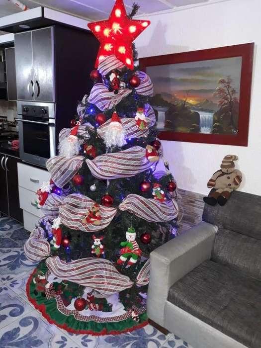 Arbol de Navidad con Todo Incluido