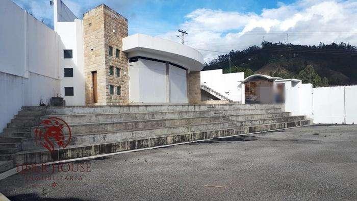 420.000 Amplio local Comercial, Azogues Virgen de la Nube, Renta 2.000