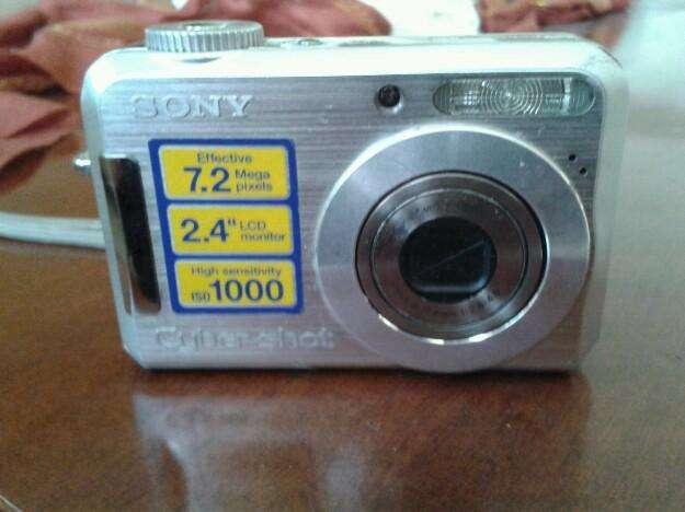Camara de fotos marca SONY
