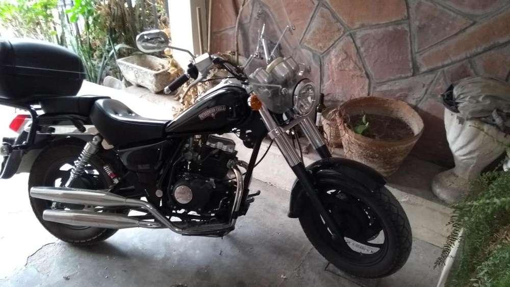 PATAGONIAN EAGLE BLACK SHADOW 150CC, Vendo por no usarla