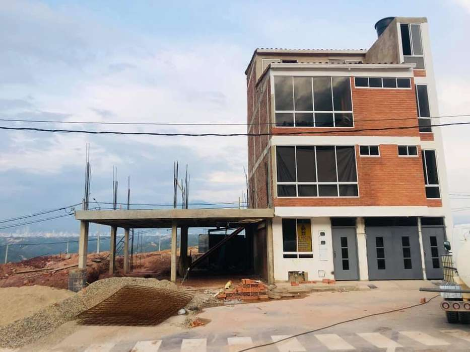 LOTE ESQUINERO DE 80 m2 EN EL PROYECTO LA PRADERA CON ESCRITURAS PUBLICAS