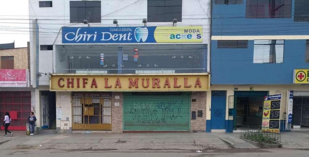 LOCAL COMERCIAL FRENTE A DOS MERCADOS