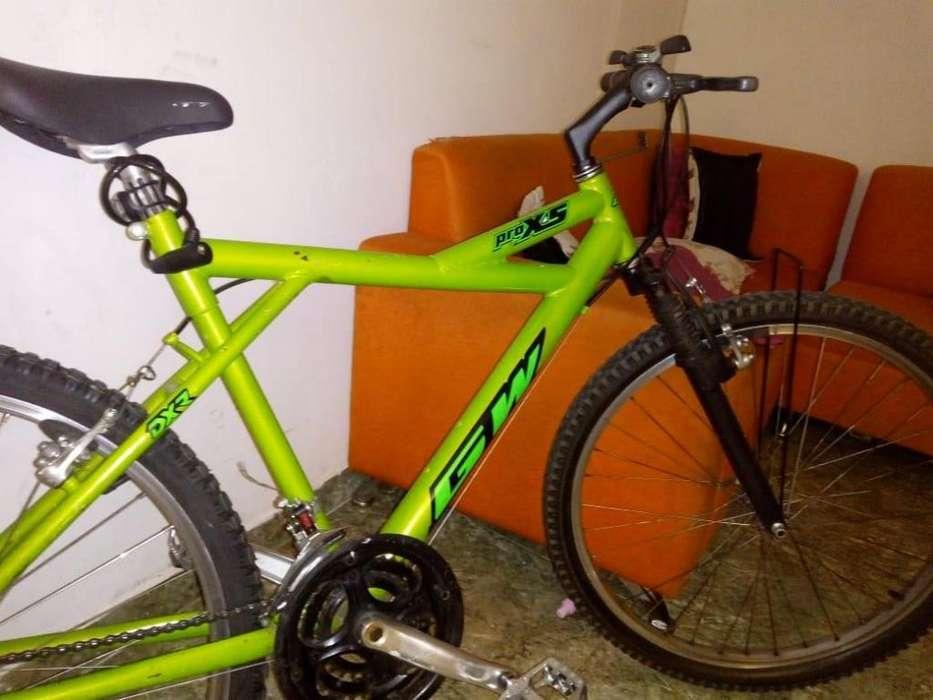 Vendo bicicleta de cambios rin 26
