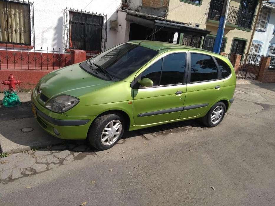 Renault Scenic  2002 - 180000 km