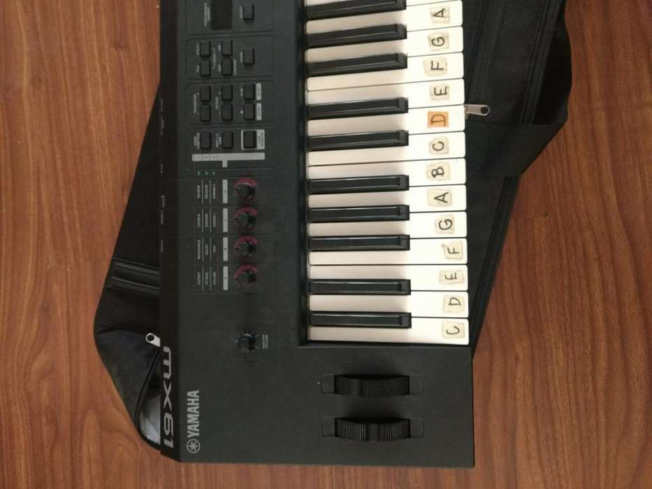 Teclado Yamaha Mx61