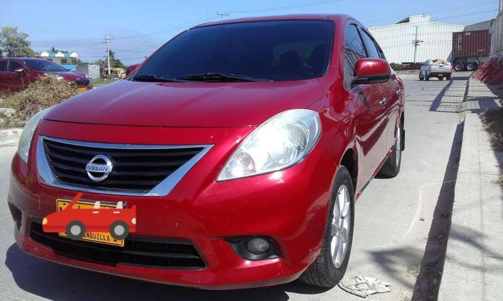 Nissan Versa 2013 - 120000 km