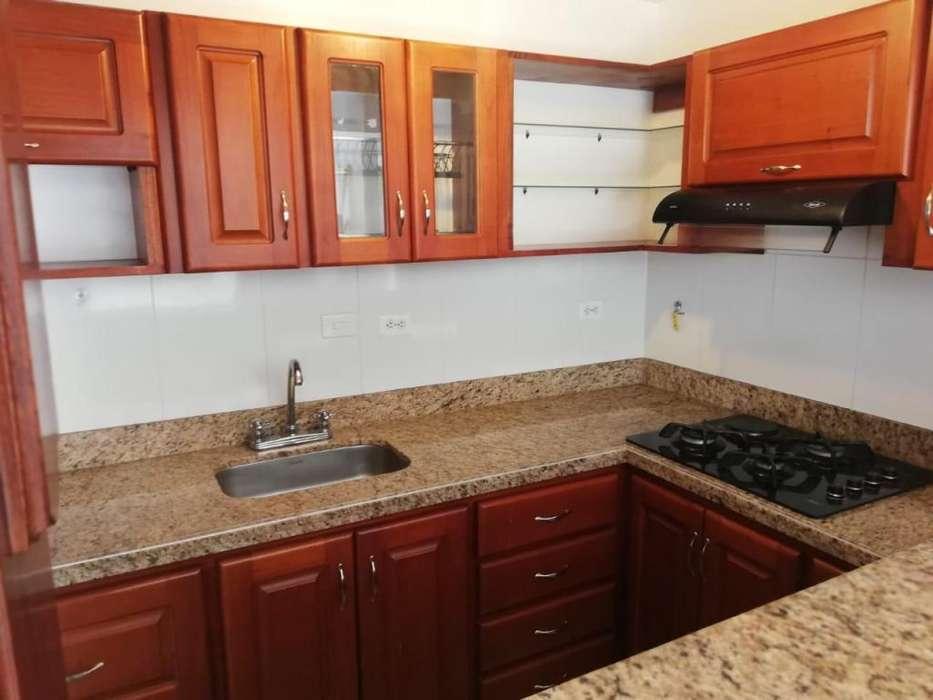 Se arrienda casa segundo piso con garaje, Laureles - wasi_1537108