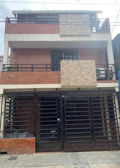 Casa de 3 Pisos Ciudad Del <strong>campo</strong>