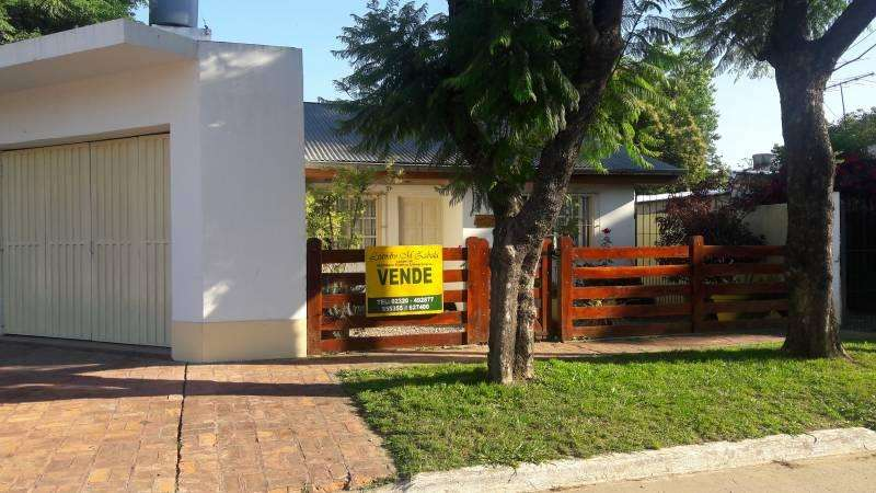 se vende hermosa propiedad a 3 cuadras del centro de tortuguitas