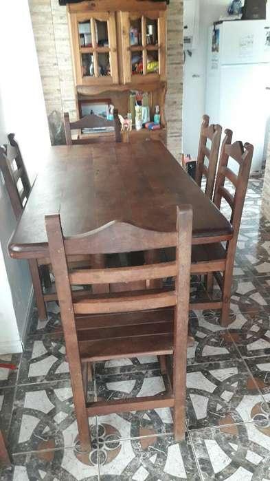 Mesa de Algarrobo Exelente Estado