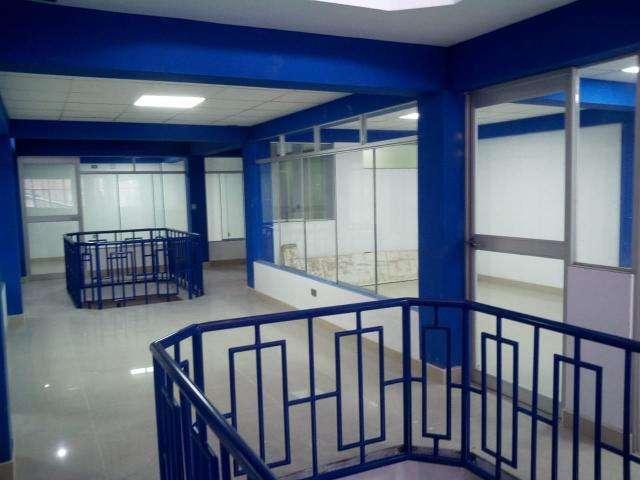 ALQUILO LOCAL COMERCIAL DE 200 m2, POR PISO PARA INSTITUTOS, TALLERES Y/O GIMNASIOS, ETC.