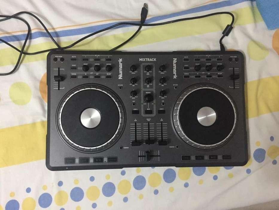 Controlador dj numark mixtrack pro con caja
