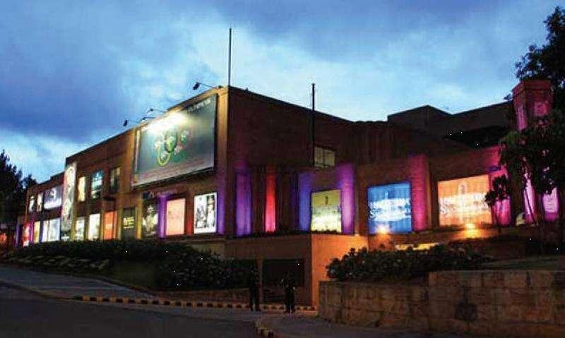 Cod. VBFNC-2632 Local En Arriendo/venta En Bogota Santa Barbara Oriental-Usaquén