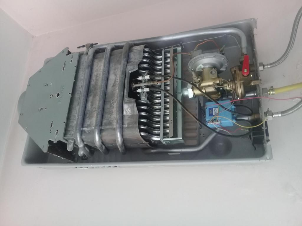 servicio tecnico de* calefones a gas en todo *quito0999073097=LAVADORAS* SECADORAS=lumbisi TANDA NAYON//**