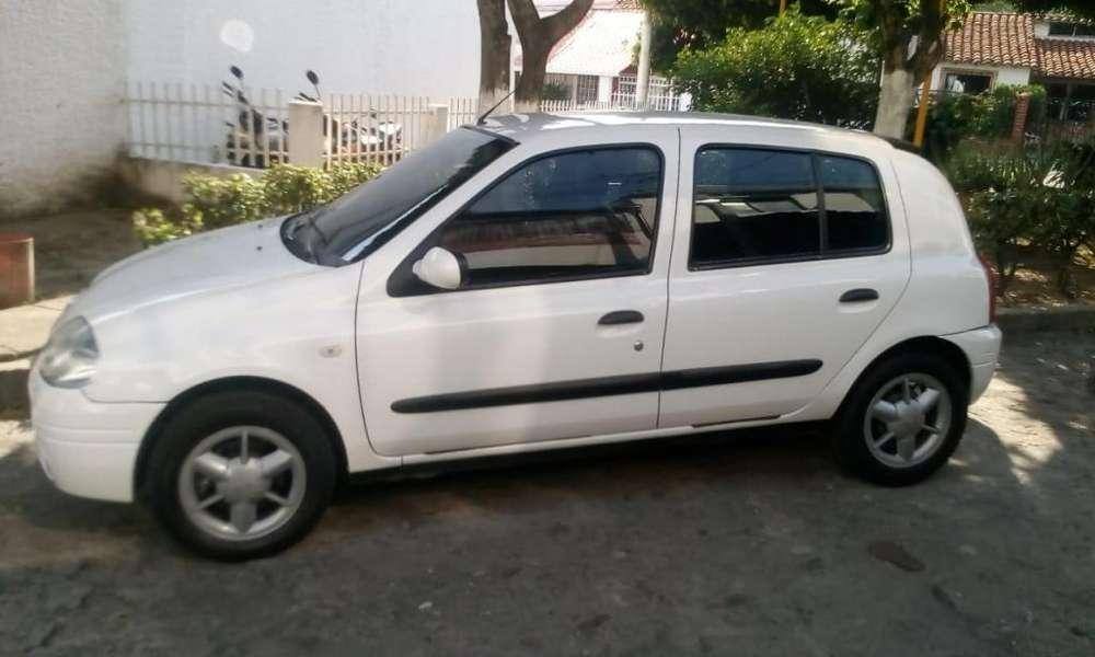 Renault Clio  2003 - 155000 km