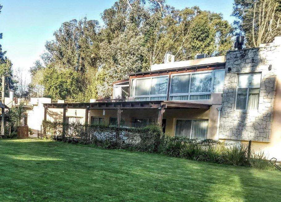 Casa de <strong>lujo</strong> 5 ambientes en pleno Bosque