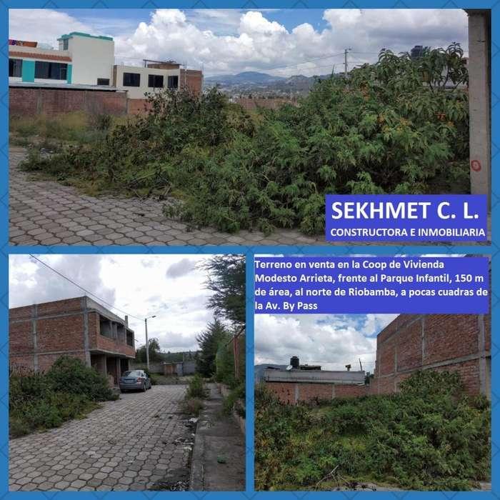 Terreno en venta al norte de Riobamba, 150 m de área