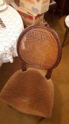 Juego de mesa y sillas de comedor de Estilo.