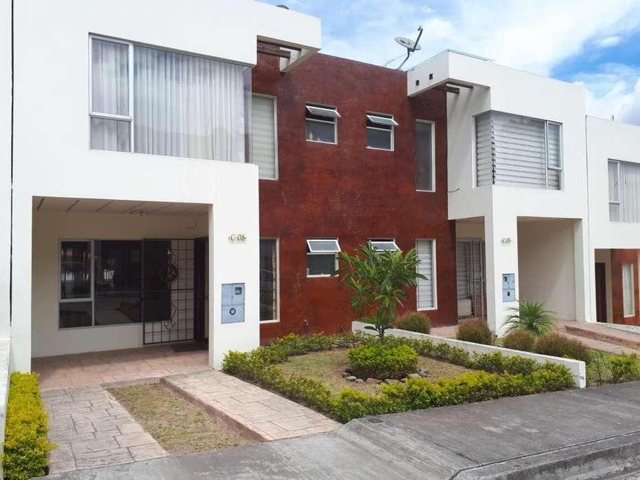 Se vende casa en conjuto residencial