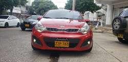 Rio Hatchback Mod 2015 Mecanico con 60km