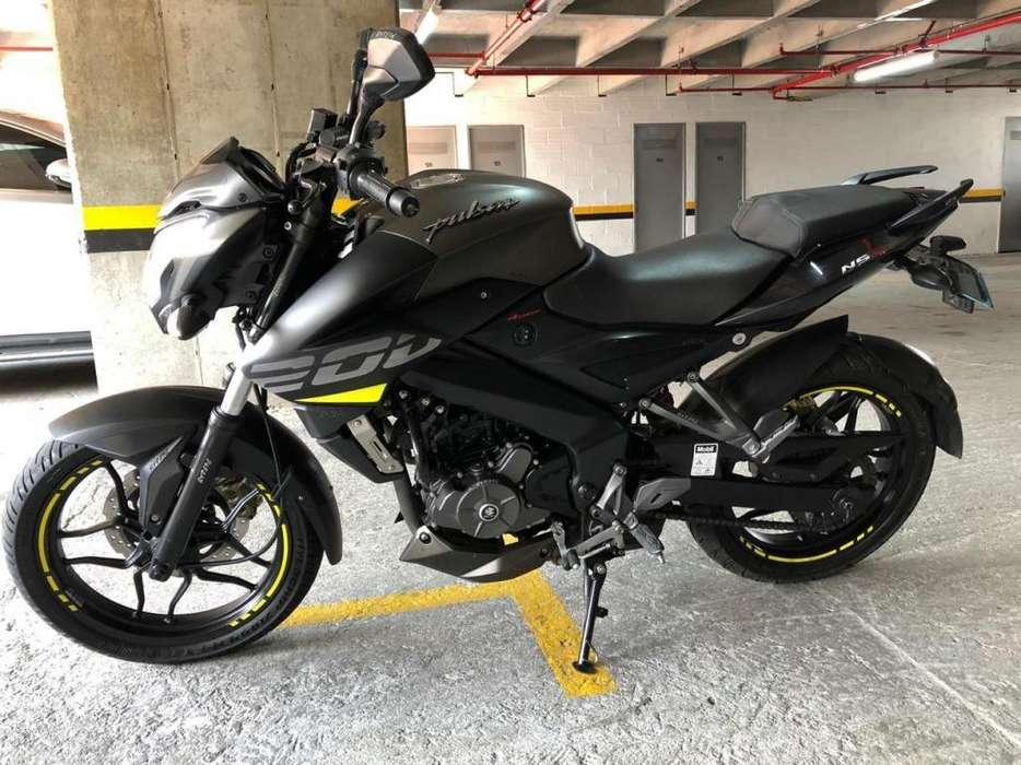 Moto Pulsar Bajaj Ns 200