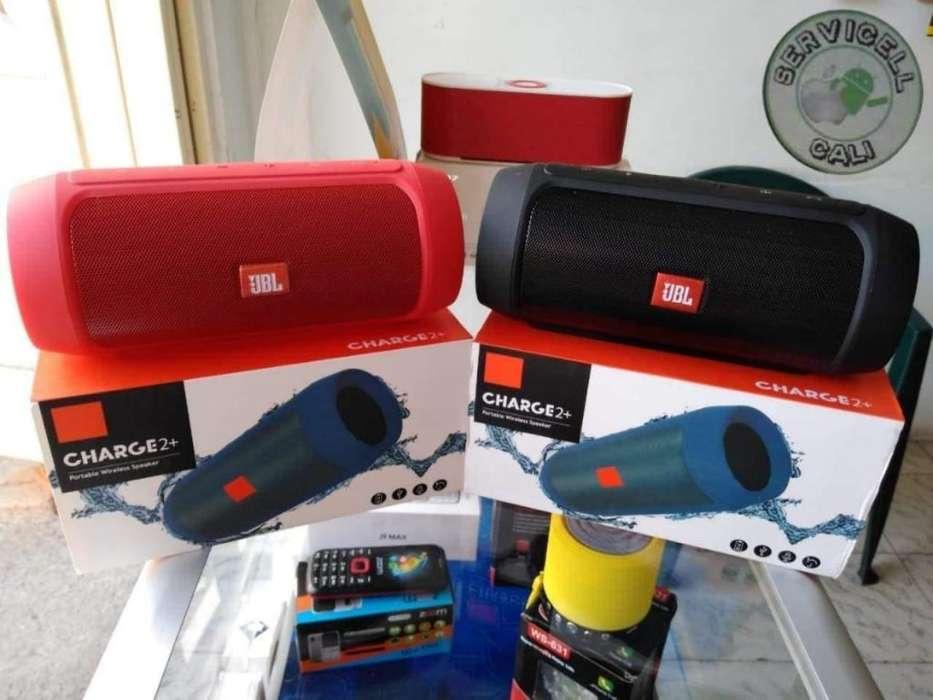 Parlantes Jbl Charge 2 Bluetooth, radio FM importados. Con garantía y domicilio
