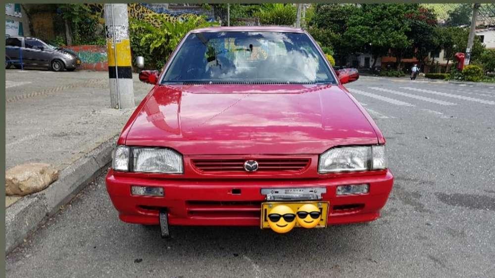 Mazda 323 1989 - 220000 km