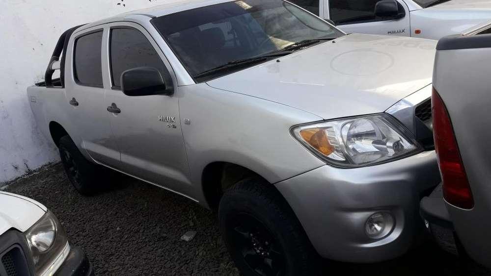 Toyota Hilux 2010 - 165000 km