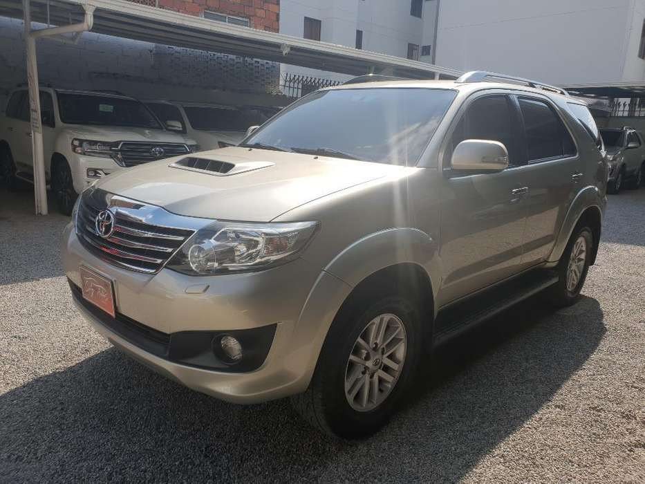 Toyota Fortuner 2014 - 75000 km