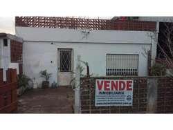 Ibarlucea: Saenz Pena 355 Casa 2 dormitorios centrica en venta NO APTA CREDITO, Santa Fe, Argentina