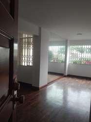 Alquilo Departamento en Los Tucanes, San Isidro.