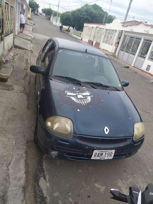 Renault Symbol 2002 - 100000 km