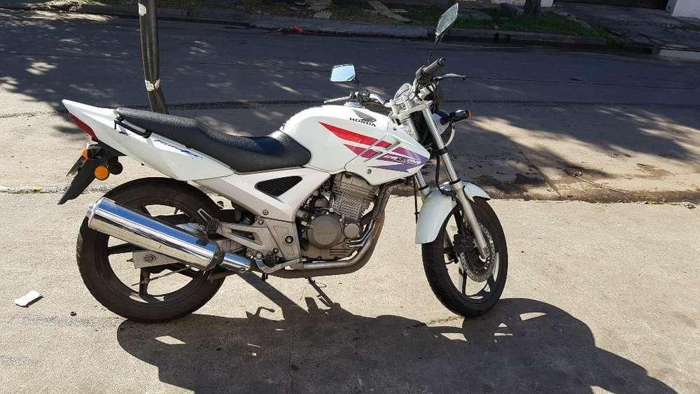 Honda Twister 2012 Blanca