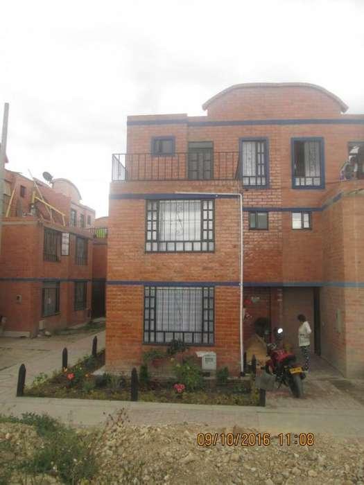 Casa En Venta En Funza Funza (Nuevo Mexico) Cod. VBSBT-3354274