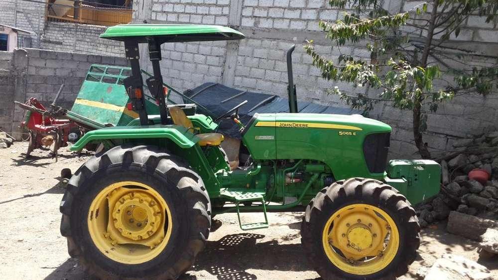 Tractor Agrícola John Deere 65hp