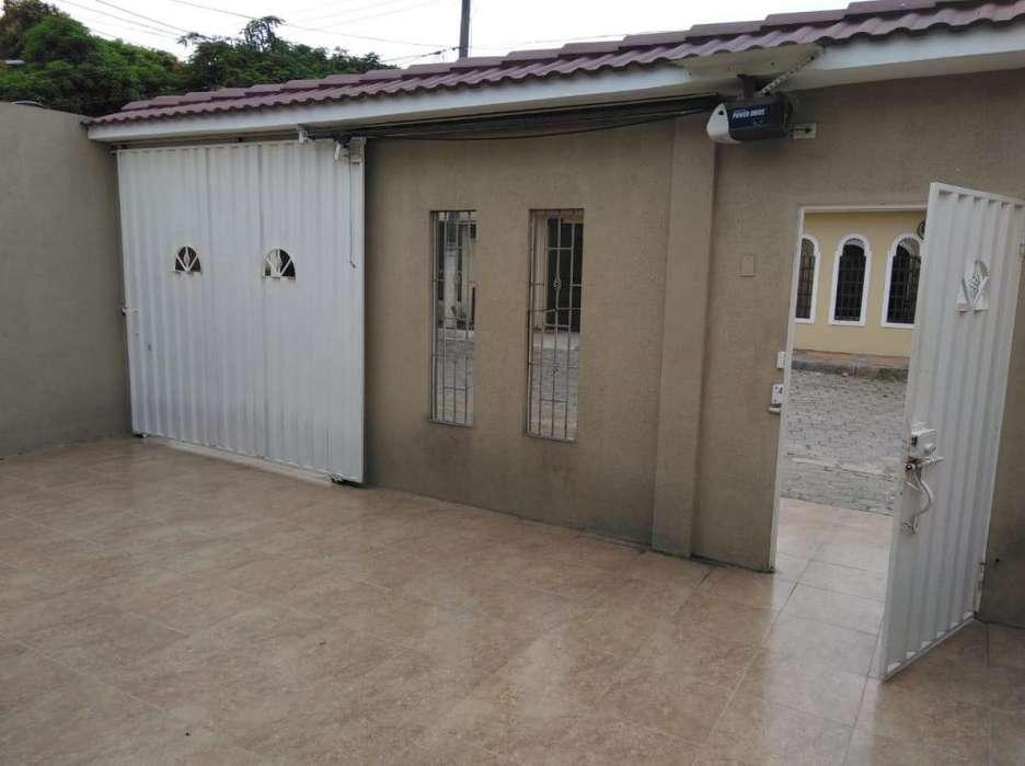 Venta Casa Alborada, cerca Avenida Francisco de Orellana y Riocentro Norte, Norte de Guayaquil