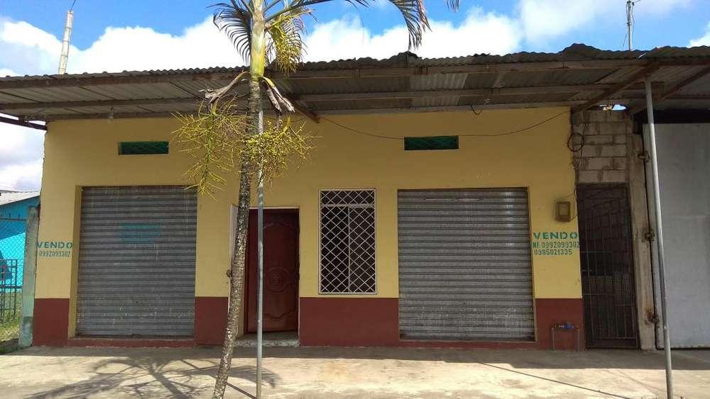 Vendo Villa con locales comerciales en Valencia- Los Ríos en zona urbana en sector comercial.