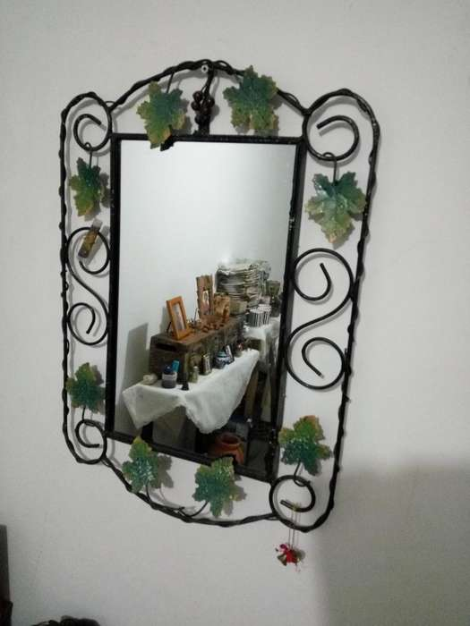 Vendo Espejo en Hierro Decorado