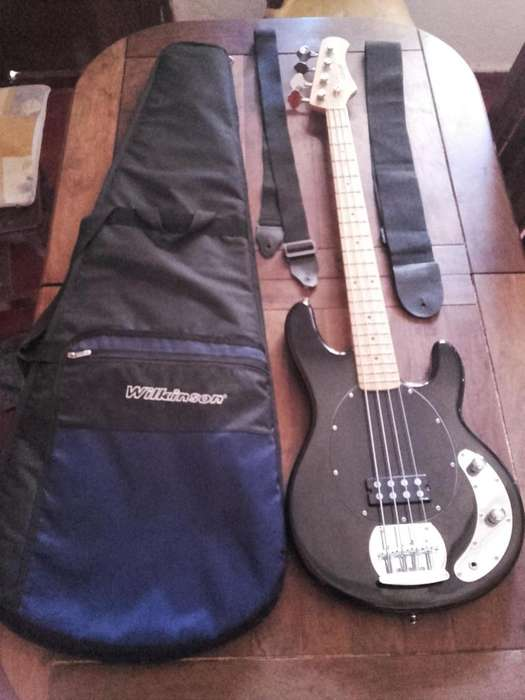 Stagg Mb300 Bajo Tipo Musicman Funda 2 Correas